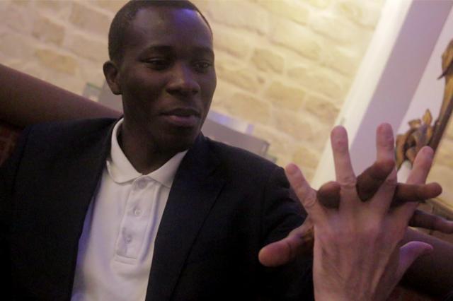 Serge, durante un momento de la entrevista. Imagen cedida por Sandra García Martínez.